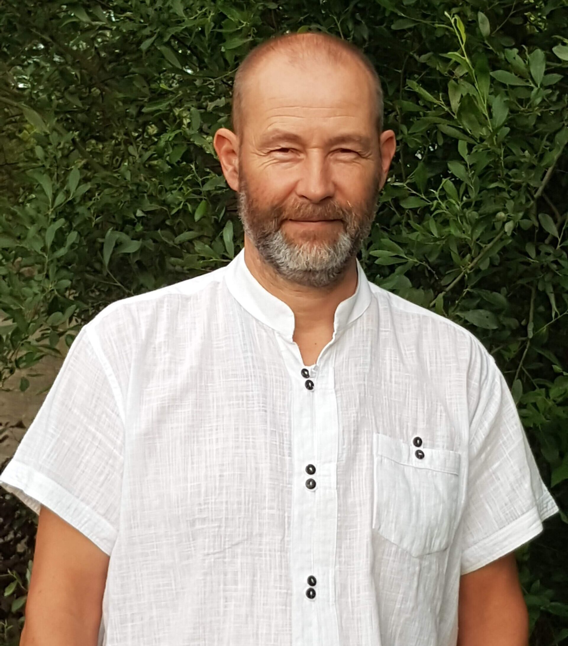 Julian Robus, creator of HOL.<br><br>Happiness & Mental Health Mastery<br>Stress Reduction, Mindful Living<br>and Meditation Instructor.<br>Spititual Teacher